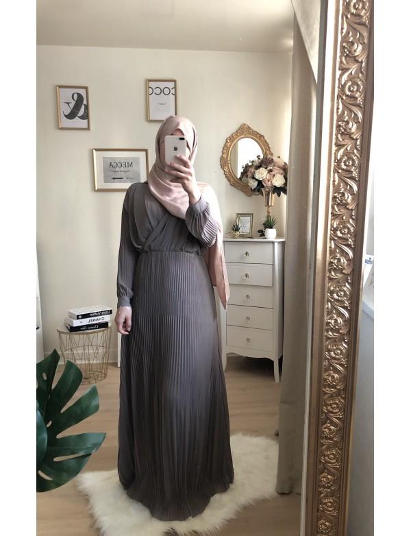Robe plissée taupe