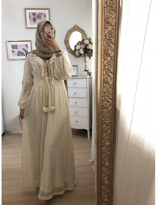 Robe lace beige