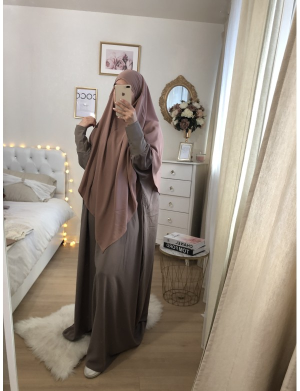 Khimar cape court