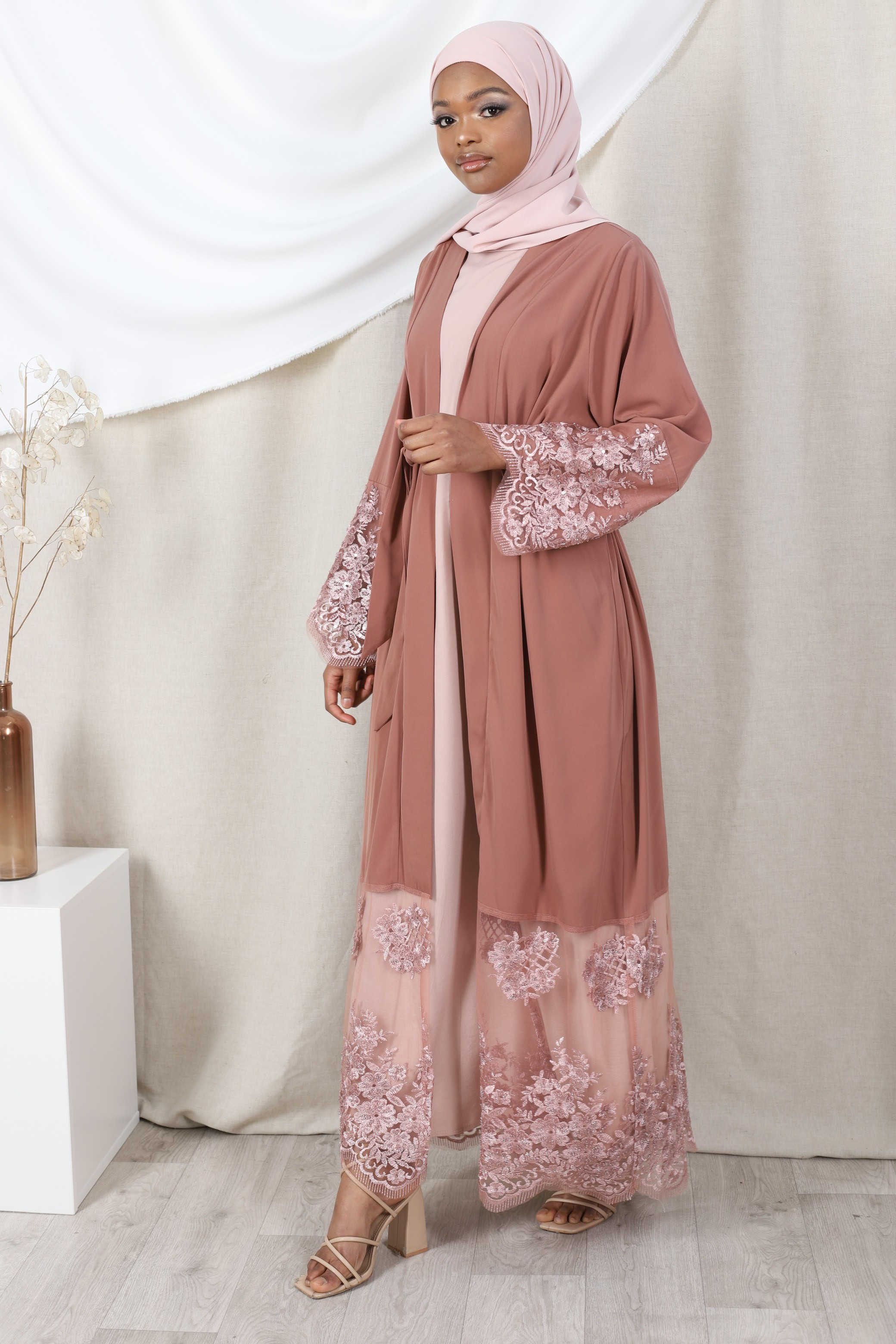Abaya lace vieux rose